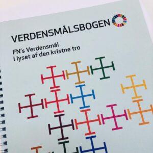 Verdensmålsbogen udgivet af ADRA Danmark, Folkekirkens Nødhjælp, DMRU og Folkekirkens Mellemkirkelige Råd
